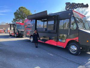 Obtenga camiones de comida Crackin Twins